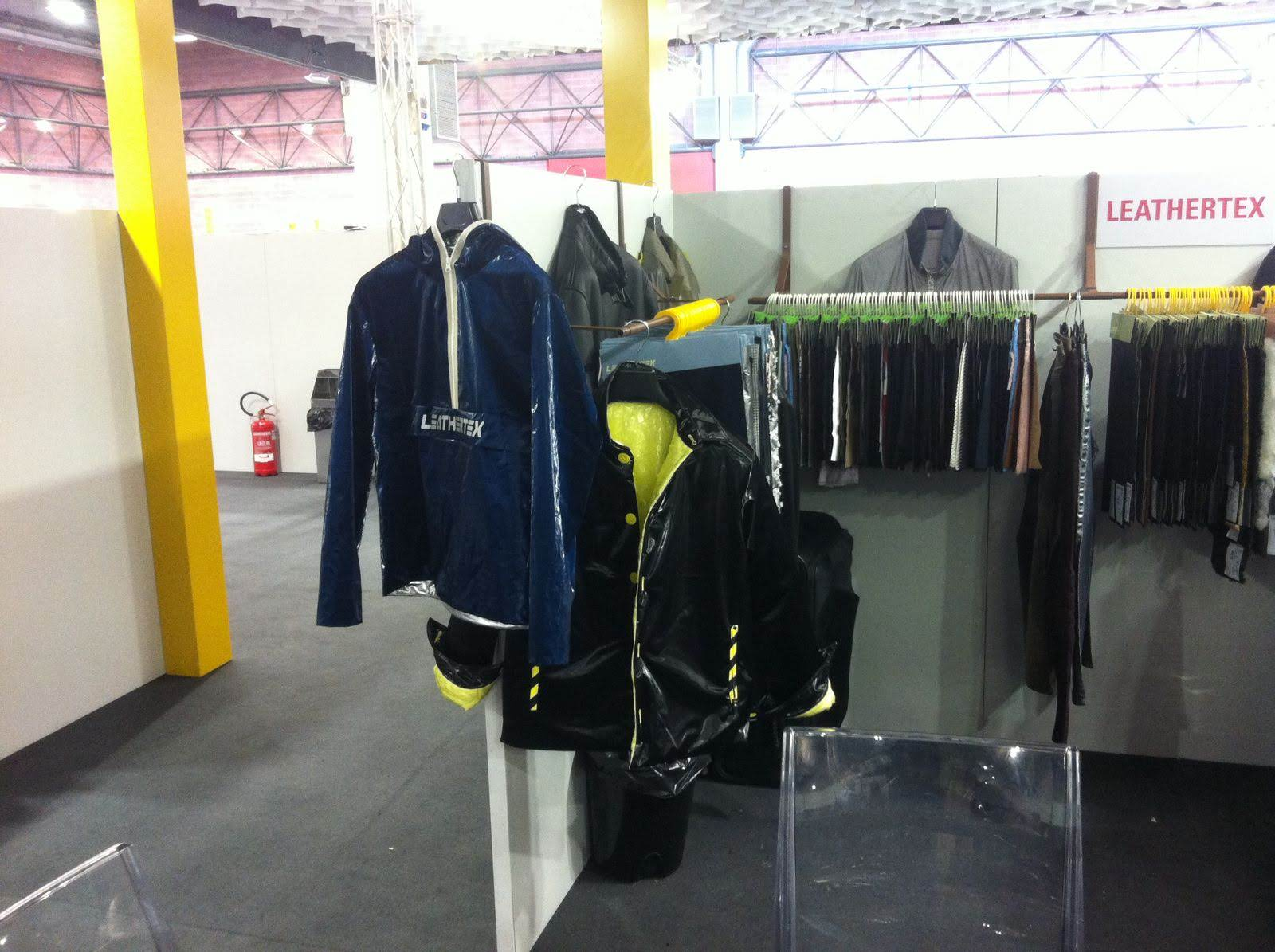 Stand 2  leathertex gater modena