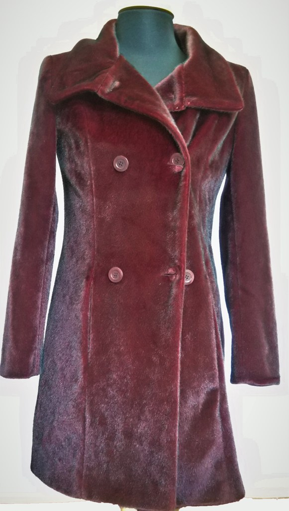Flocked coat with synthetic fur